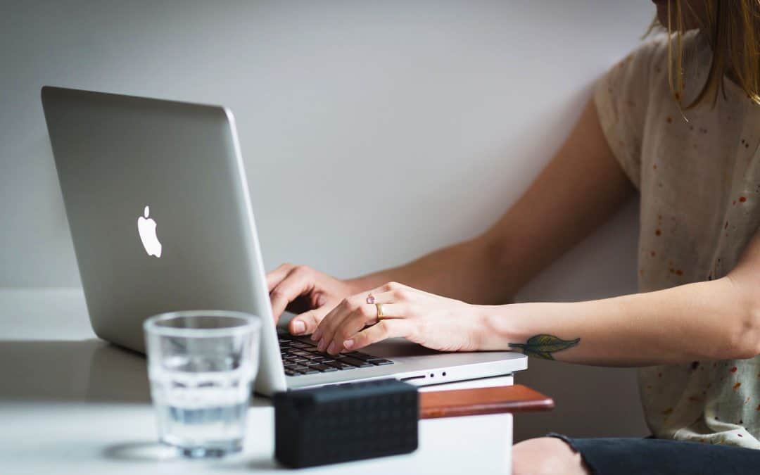 How to Teach Online and Make Money From Anywhere