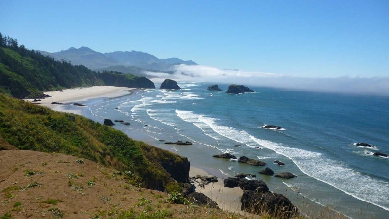 Drive along the coast when traveling around Oregon