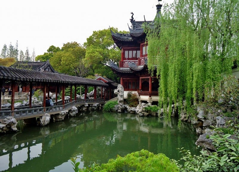 Shanghai itinerary is incomplete without visiting Yuyuan Garden.