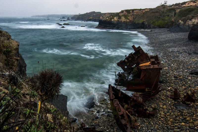 On your Algarve itinerary you can see a shipwreck!